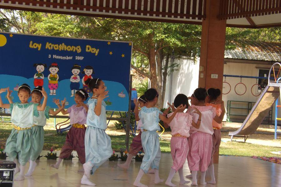 Loy Krathong31