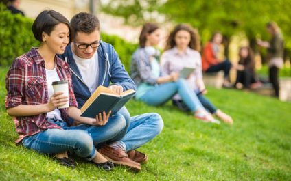 Tax credits help save money on a college education