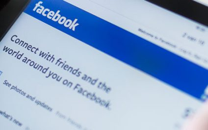 Facebook: 4th favorite choice for teens