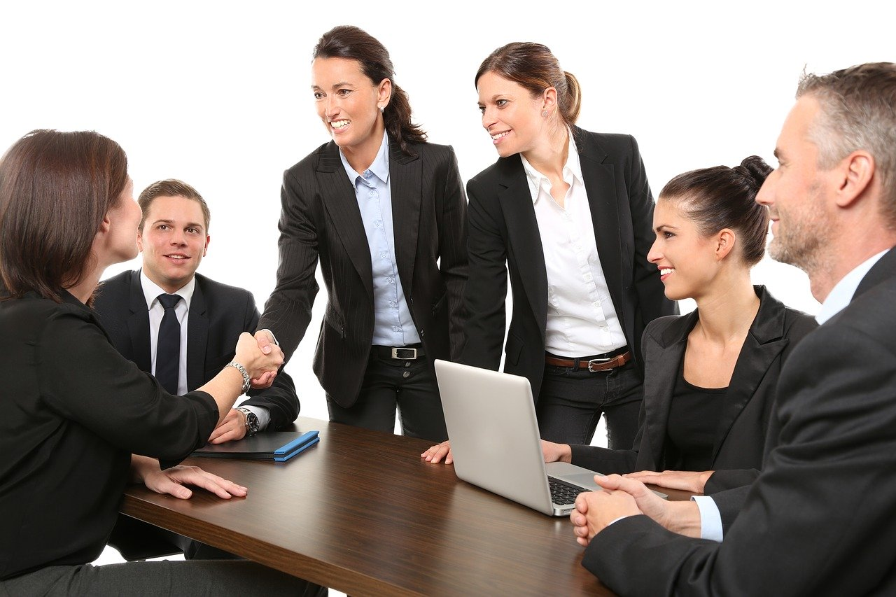 women leaders work teach team collaboration women in tech