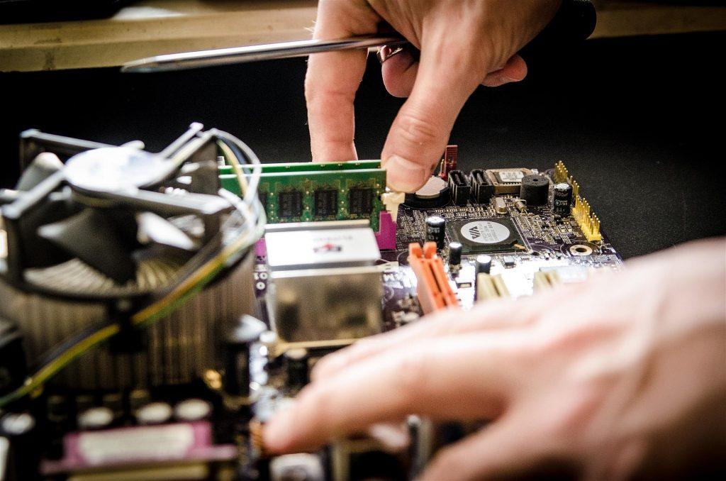 hardware repair IT
