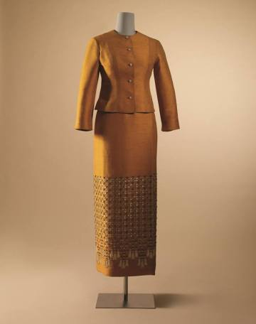thai-ruean-ton-dress