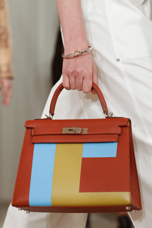 hermes-fauve-with-colorblock-kelly-bag-2-resort-2018