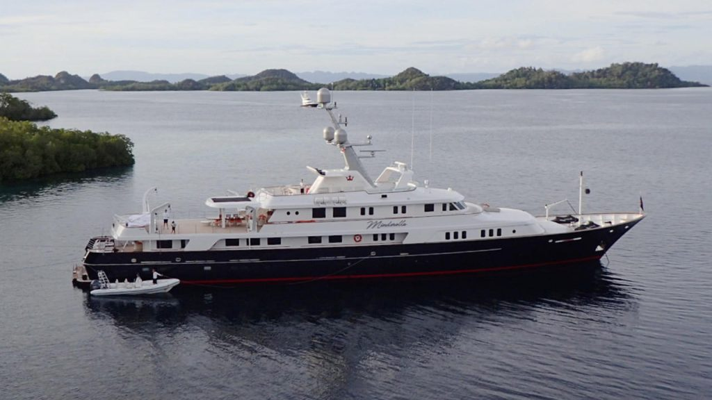 4hl0pnRzSiOifhqX4Hed_Minderella-yacht-for-sale-Feadship-1280x720-1024x576