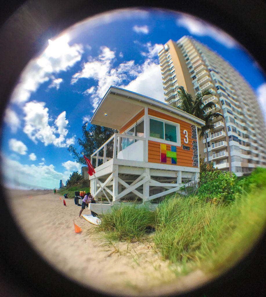 Hallandale-lifeguard-hut-917x1024
