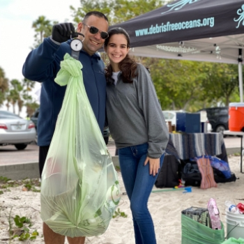 cover-beach-cleanup-with-debris-free-oceans