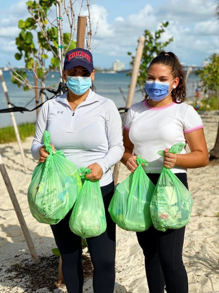 img-monthly-beach-cleanup-1