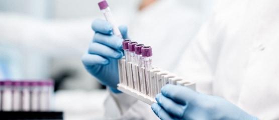 sideimg-full-service-laboratory-r1