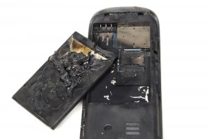 cell phone gets hot mobile phone caught on fire due to overuse and overheat smartphone explode bis technology group mobile pensacola biloxi alabama florida information technology designs marketing office systems hipaa consulting