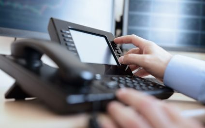 3 Reasons Why Your Business Should Switch to a VoIP Phone System