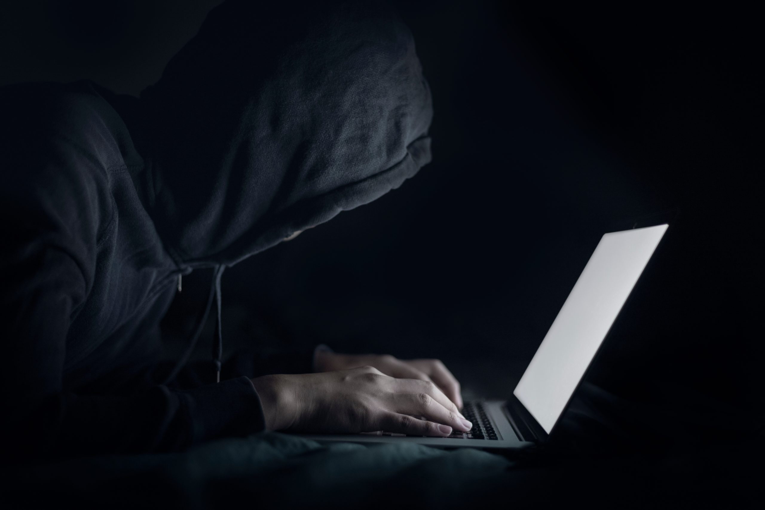 hackers-are-using-his-laptop-to-hacking-system-try-2MTYQTH-scaled