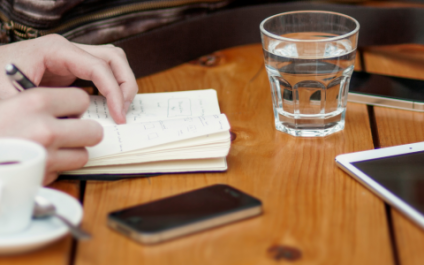 Company device or employee device? BYOD pros and cons.